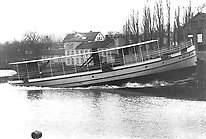 Initially, JMW mainly manufactured mouldings. At the end of the 1900s their shipbuilding production started and included 31 steamships, Motala Express among others. The picture shows the launching of the barge Maria, named after Maria Sandwall who was married to the founder of JMW and the then owner Frans Gustaf Sandwall. Photo from Jönköping county museum.